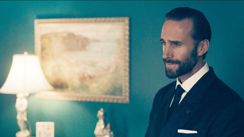 Foto: Joseph Fiennes en una secuencia de 'The Handmaid's Tale' (HBO España)