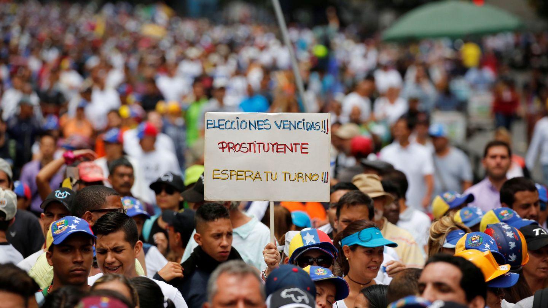 Protesta de opositores contra el Gobierno de Nicolás Maduro, en Caracas. (Reuters)
