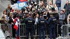 Un millar de manifestantes protesta en París contra el presidente Macron