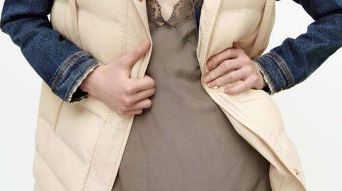 Acierto seguro al combinar este chaleco y este vestido de Zara