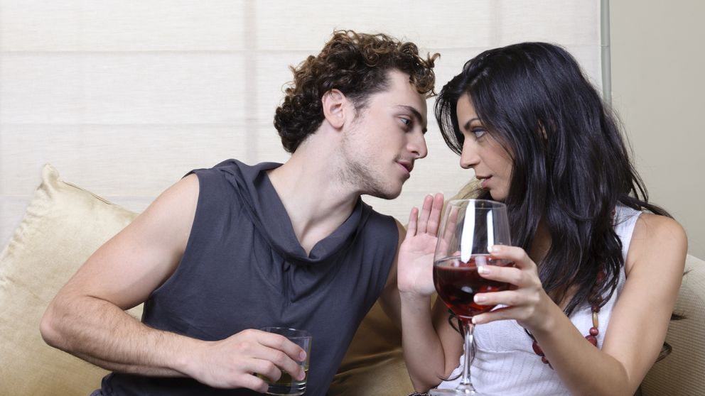 Chica seduce chico para tener sexo