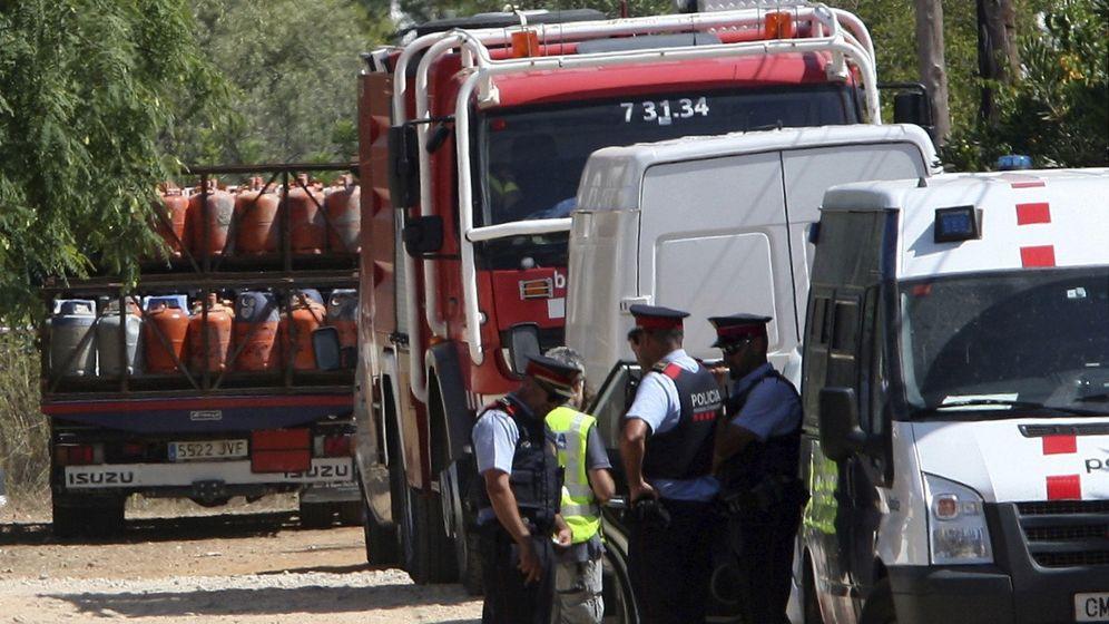 Foto: Los Mossos se incautaron de más de un centenar de bombonas de butano del chalé de Alcanar, que sirvió de base de operaciones de los terroristas. (EFE)