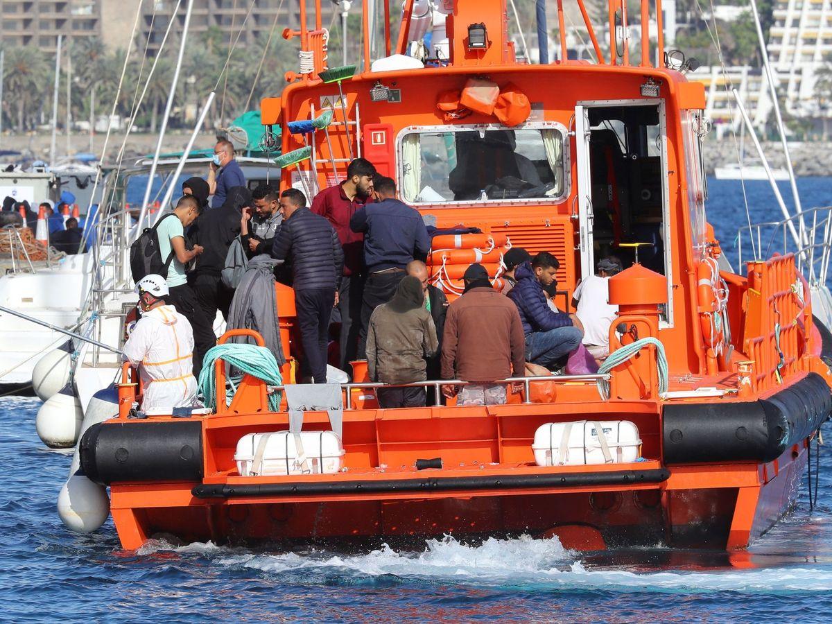 Foto: Imagen de un rescate en las islas. (EFE)