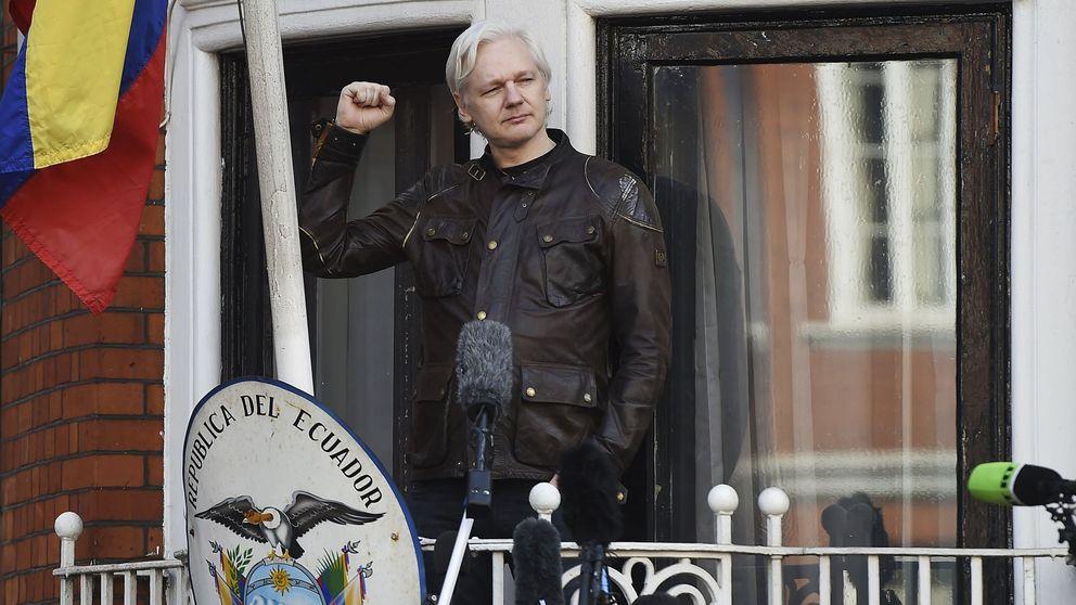 Desaparece de Twitter durante unas horas la cuenta de Julian Assange