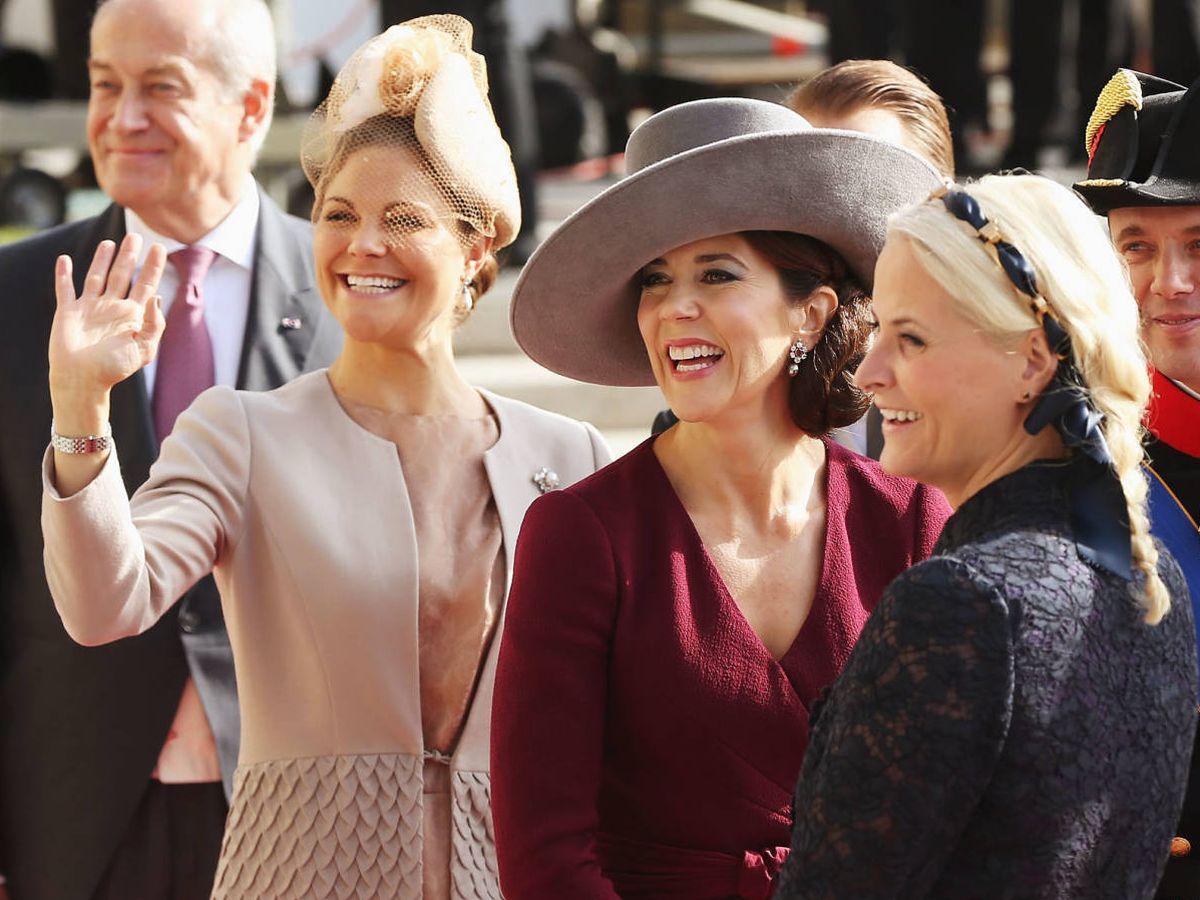 Foto: Victoria de Suecia, Mary de Dinamarca y Mette-Marit. (Getty)