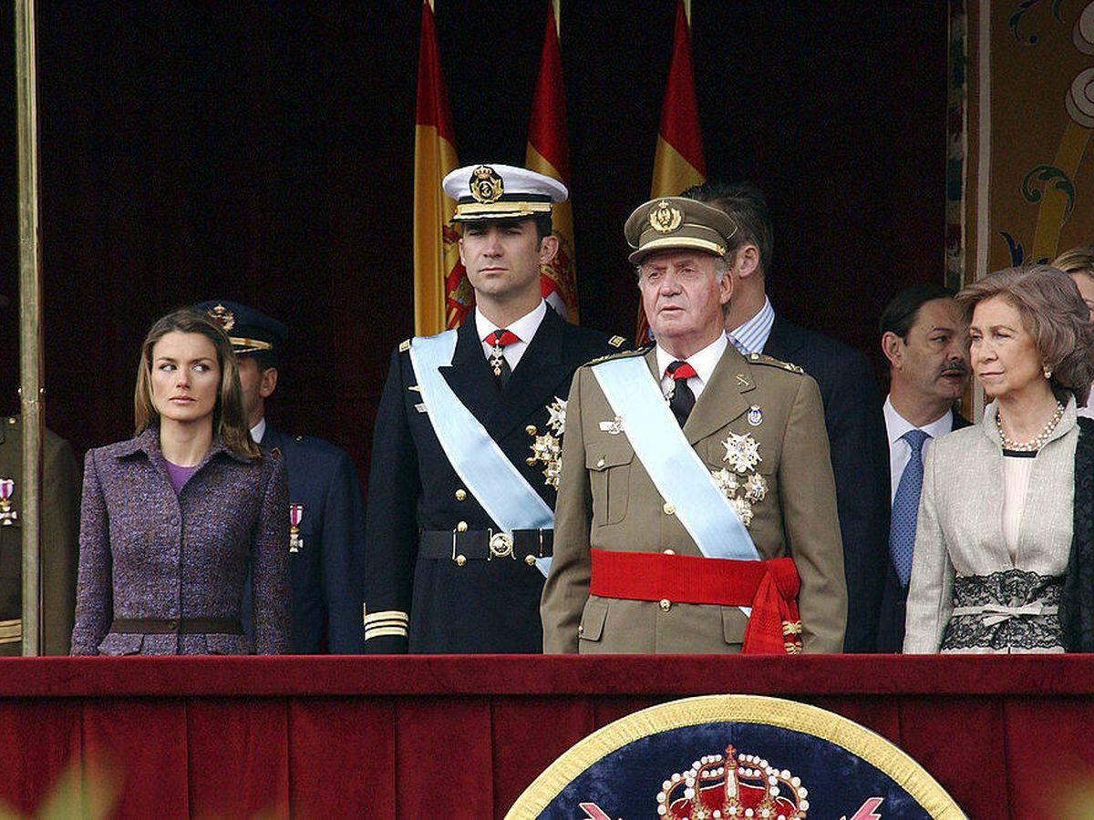 Foto: Los Reyes presiden el desfile del Día de la Hispanidad. (Getty)