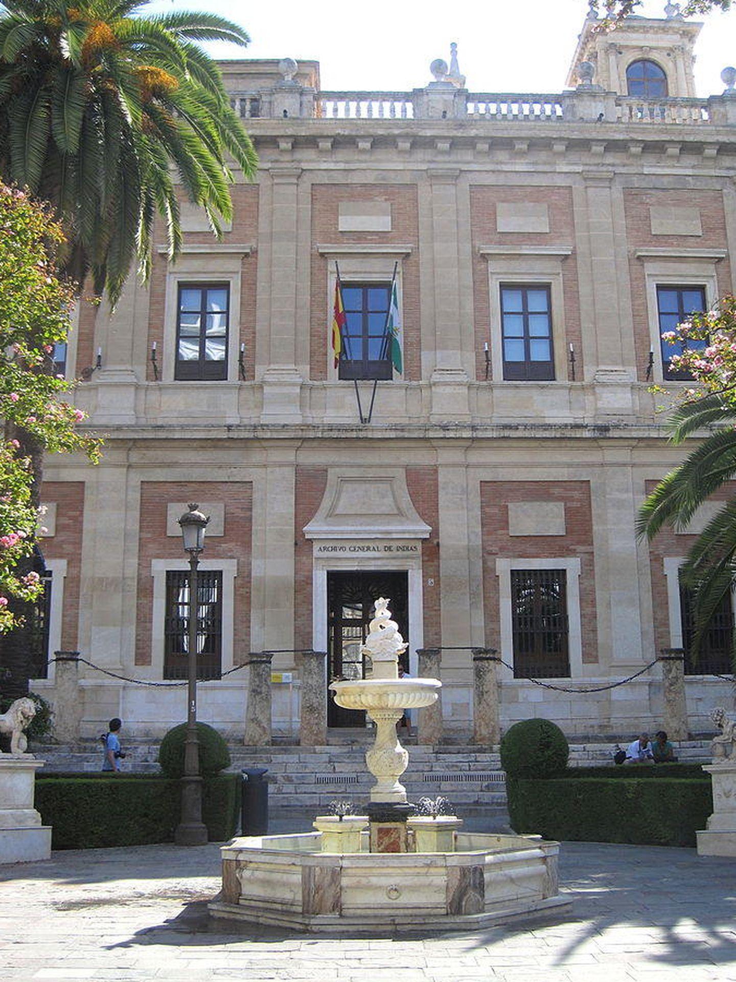Fachada del Archivo General de Indias de Sevilla. (CC/Roberto Chamoso G)