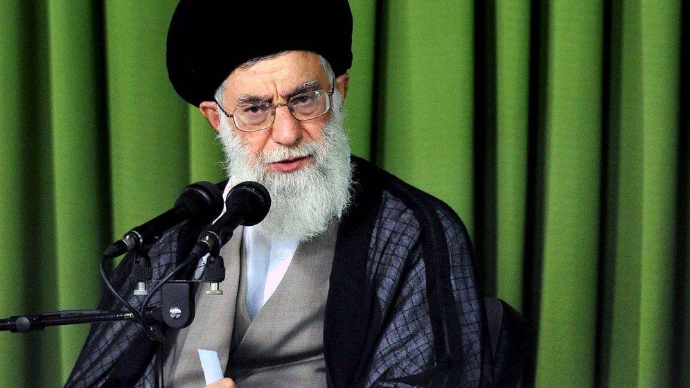 Foto: Fotografía facilitada por la página web del líder supremo iraní, el ayatolá Jomeini. (EFE)