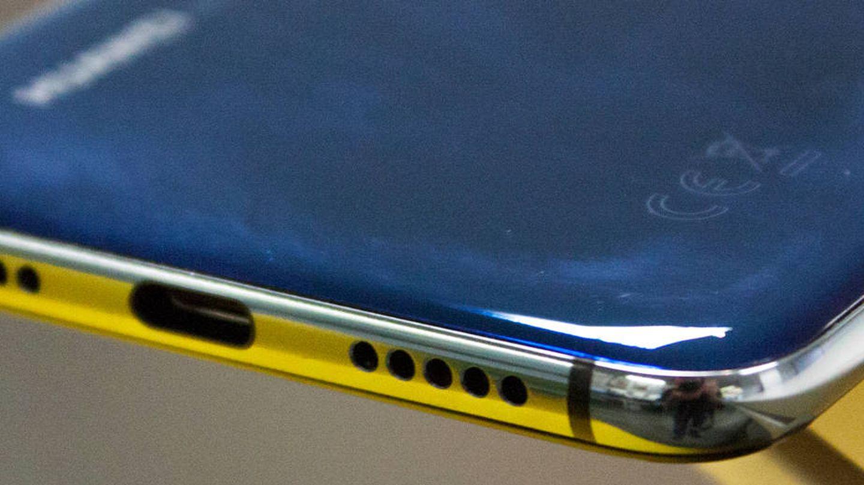 Marco inferior, con los altavoces y el conector USB Tipo C. (E. Villarino)