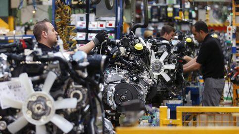 La industria española entra en recesión y destruye empleo por primera vez desde 2012