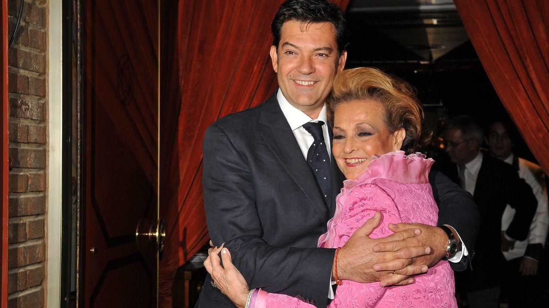 Foto: Carmen Sevilla junto a su hijo Augusto (Gtres)
