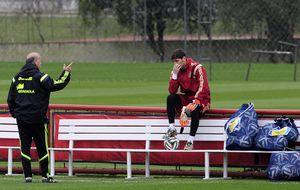 Del Bosque reaparece y lo hace con la duda de convocar a Iker Casillas