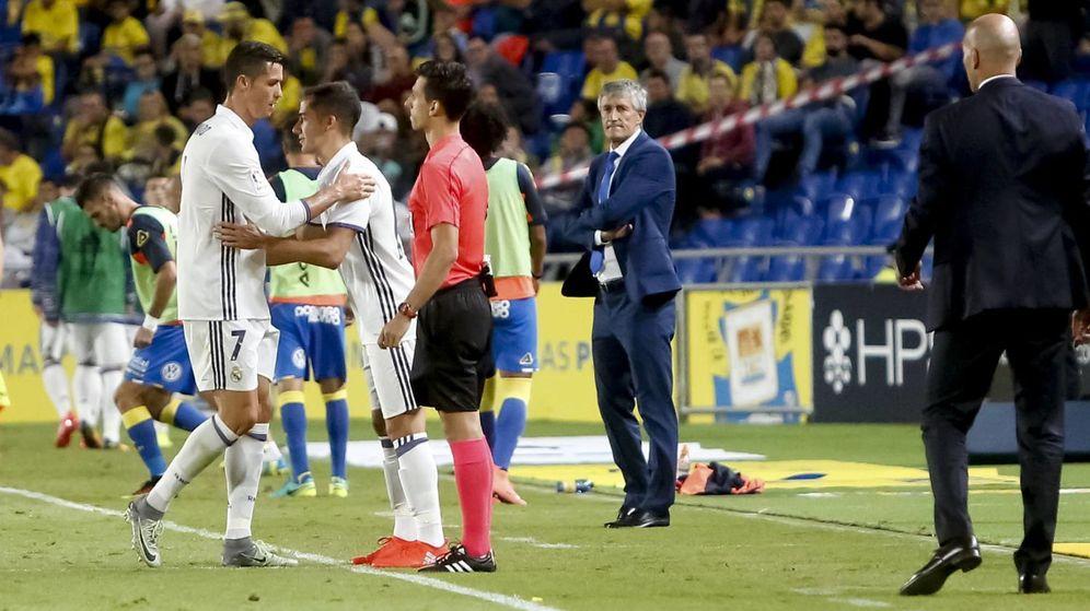 Foto: Cristiano, en el momento de ser sustituido por Lucas Vázquez. (Cordon Press)