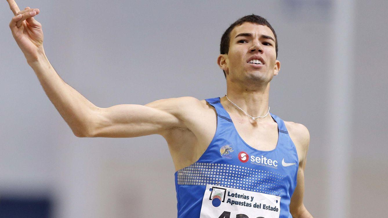 Foto: Adel Mechaal, en el campeonato de España de Antequera (Efe).