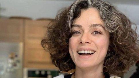 Özge Özpirinçci ('Mujer') sorprende a sus fans con sus fotos de adolescencia