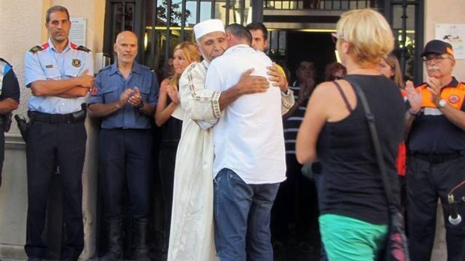 Foto: El padre de Xavi y el imán de Rubí, Driss Sally.