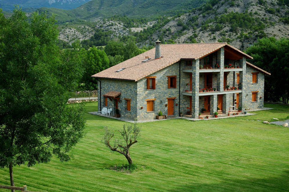 Viajes el turismo de sol y playa eclipsa a las casas - Casas rurales en la provenza ...