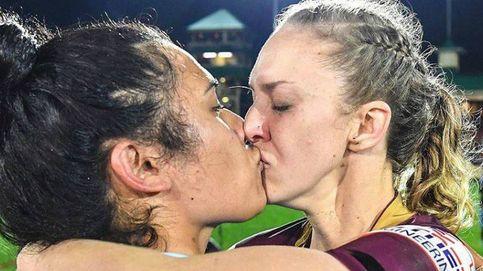 Dos jugadoras de rugby se besaron en público. Y la cosa no quedó ahí