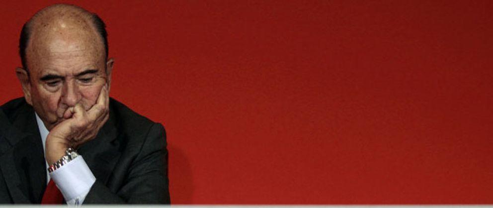 Foto: Botín congela el sueldo a los empleados del Santander tras perder 1.500 millones en España