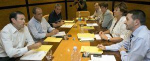 Imaz, tocado tras su órdago a Ibarretxe: el sector del PNV que le respalda empieza a cuestionar su liderazgo