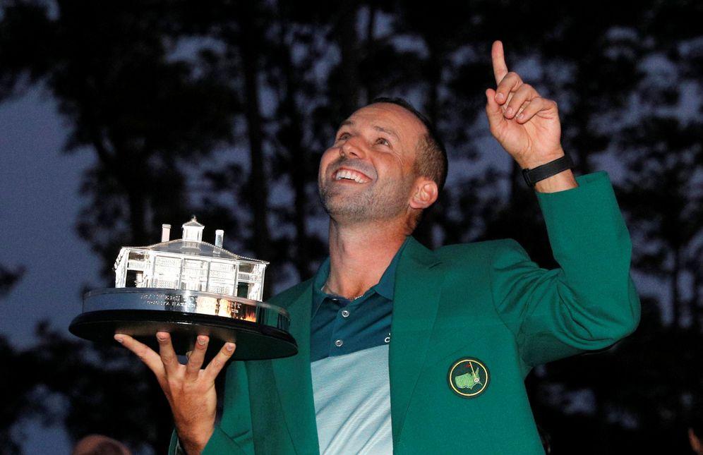 Foto: Sergio García luce la mítica chaqueta verde tras ganar en Augusta. (Reuters)