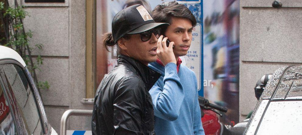 Foto: Julio José y su primo este jueves en Madrid (Gtres)
