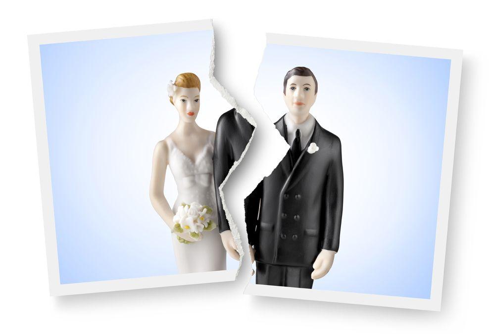 Foto: Aunque cada matrimonio tiene su propia historia, existen diversas situaciones que aumentan la probabilidad del divorcio. (iStock)
