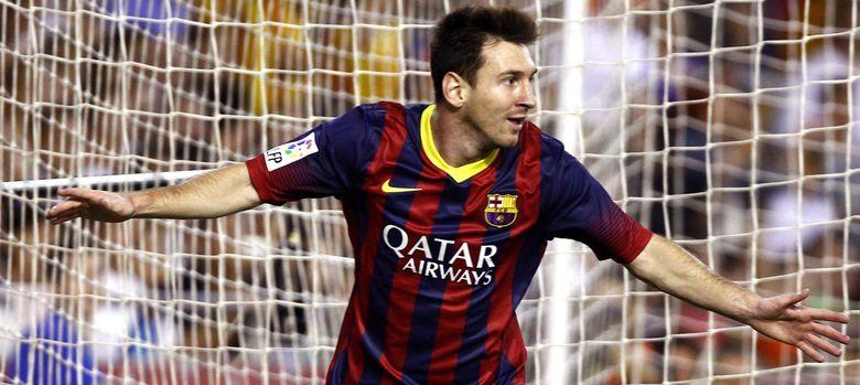 Foto: El argentino Leo Messi celebra uno de sus tres goles ante el Valencia.