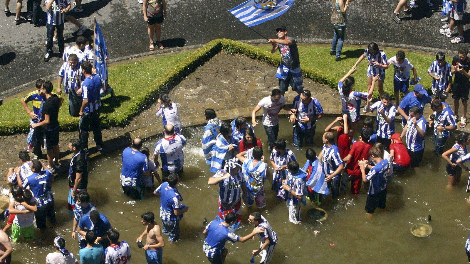 Foto: Aficionados de la Ponferradina. (EFE)