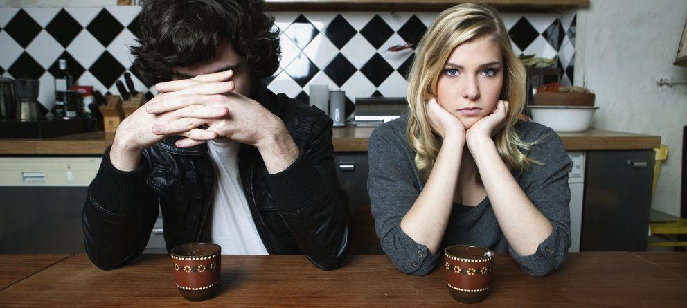 Foto: Es difícil tratar temas delicados con nuestra pareja, pero no siempre podemos evitarlos. (Corbis)