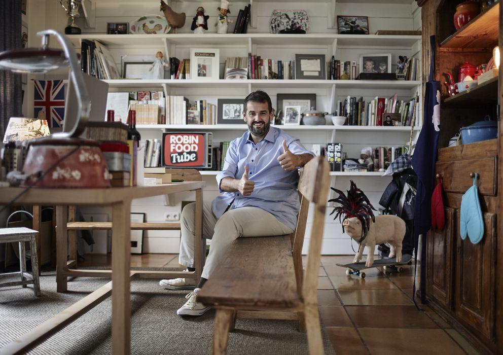 Foto: David de Jorge en su despacho. (J. L. López de Zubiria)