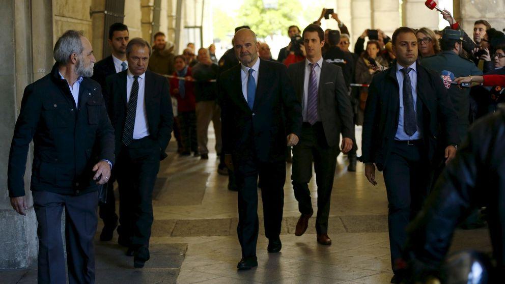 Paseíllo de Chaves y Griñán: El Gobierno ha presionado para que compense otros casos