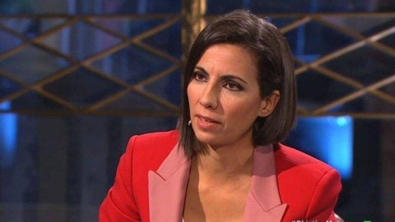 Ana Pastor tapa la boca a una 'hater' desvelando la enfermedad que padece