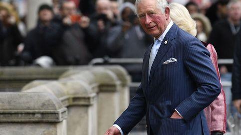 El caótico escritorio del príncipe Carlos que revela su gran debilidad familiar