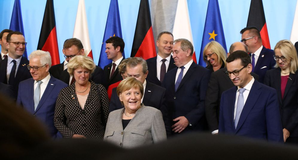 Foto: La canciller alemana Angela Merkel durante un encuentro con miembros del Gobierno polaco en Varsovia. (Reuters)