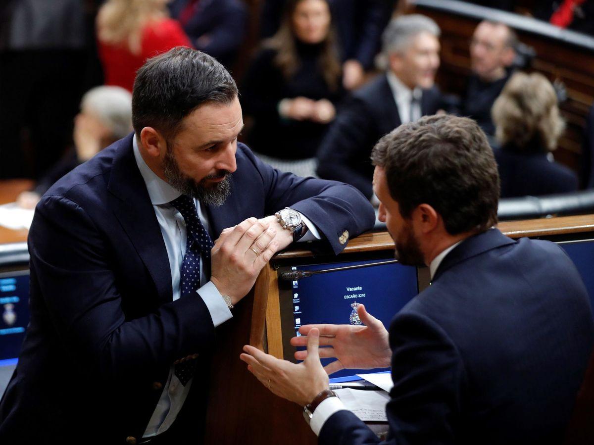 Foto: El presidente del PP, Pablo Casado (d), y el líder de Vox, Santiago Abascal. (EFE)