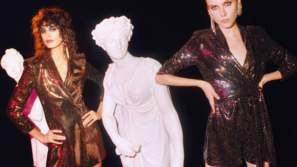 Foto: Metalizados de aires ochenteros. Esta es una de las tendencias de la temporada en Zara. (Cortesía de la marca)
