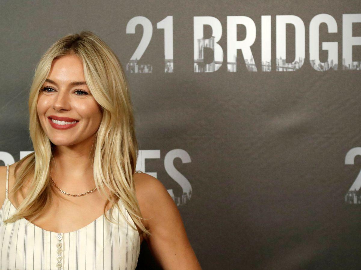 Foto: Sienna Miller, en la presentación de '21 Bridges'. (Reuters)