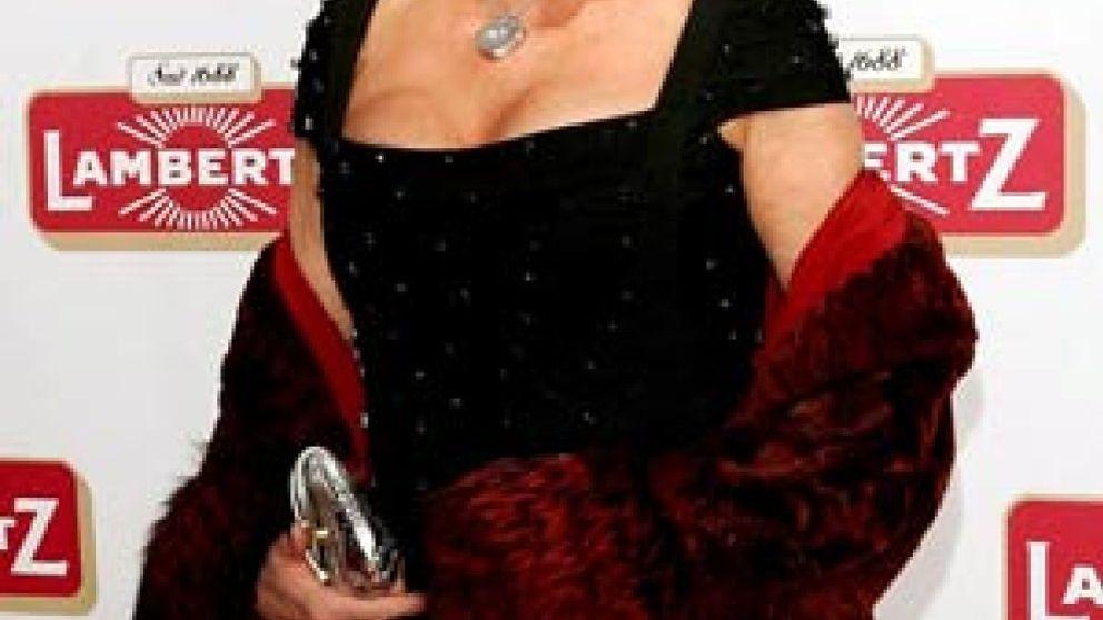 Olivia Valere casa a su hijo sin Ivana Trump