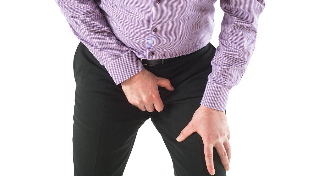 Foto: Si tienes un dolor durante mucho tiempo, acude a tu médico. (iStock)