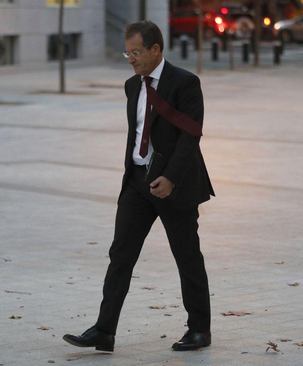 Foto: El actual presidente de Abengoa, Antonio Fornieles, a su llegada a la Audiencia. (Efe)