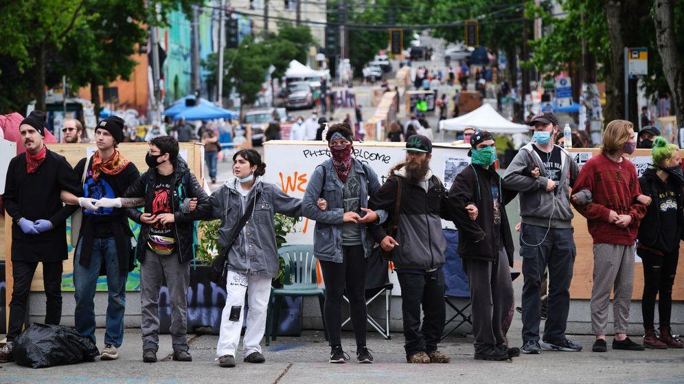 Foto: Activistas en la 'zona ocupada' de Seattle. (EFE)