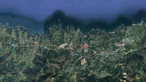 Rescatados los 12 tripulantes del pesquero hundido frente a la costa de Navia (Asturias)