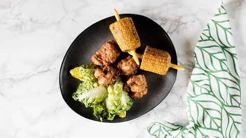 Pollo frito con mazorcas de maíz, fast food sin salir de casa