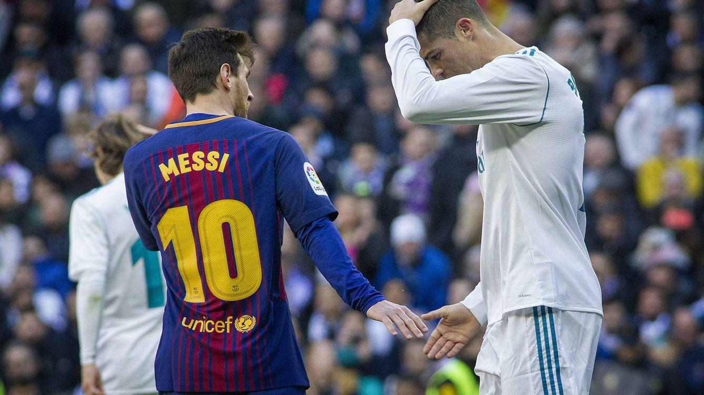 Foto: Cristiano Ronaldo se lamenta en presencia de Messi. (FOTO: Miguel Berrocal)