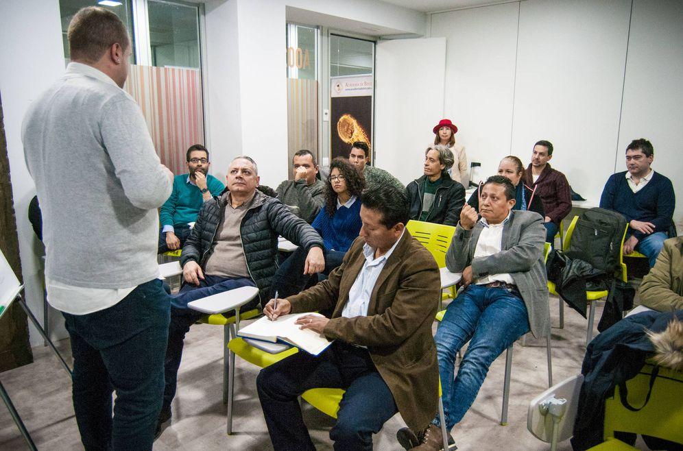 Foto: Una charla en Madrid para atraer pequeños inversores en minado de criptomonedas.