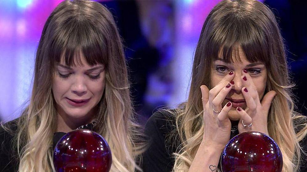 Foto: La actriz Bárbara Muñoz, secándose las lágrimas en 'Pasapalabra'.