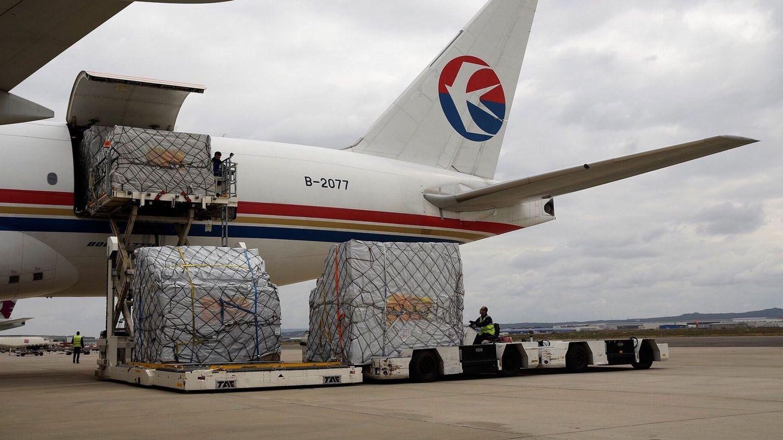 Avión de Inditex con mercancía china en el aeropuerto de Zaragoza. (EFE)