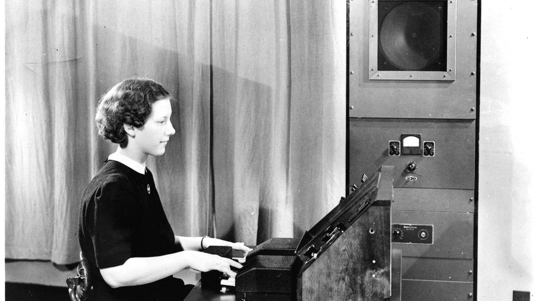 El Siri de 1939 resucita: así es Pedro The Voder, la primera máquina capaz de hablar