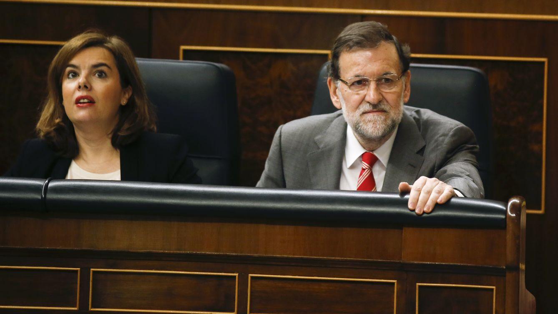 Foto: Mariano Rajoy y Soraya Saenz de Santamaría, en el Parlamento (Reuters)